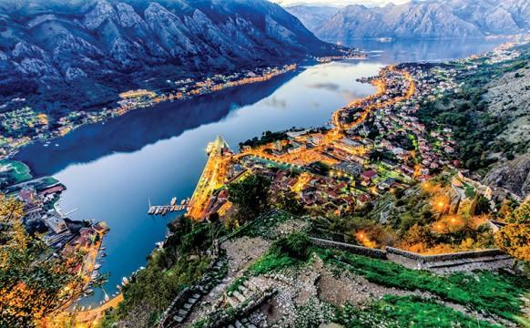hen_Montenegro-1.jpg