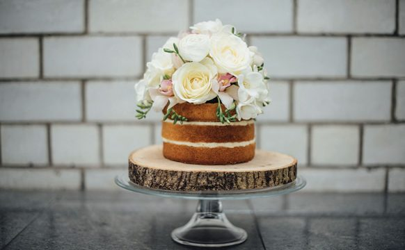 baked_Naked-floral-wedding-cake-1.jpg