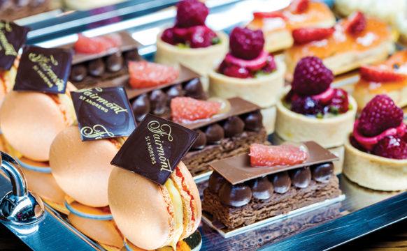 Fairmont-Brunch_2017-Dessert-Table-HERO4_edited1.jpg